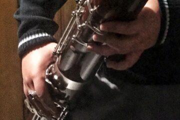 niña tocando fagot